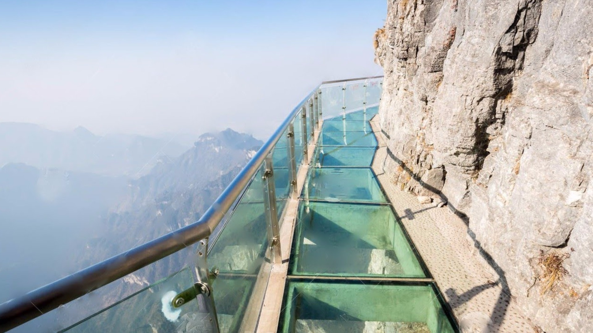 World's longest, highest glass bridge to open in China